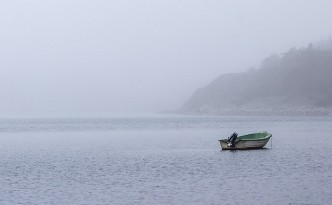 boat-in-mist-1140x395-by-Tiina-Petersson